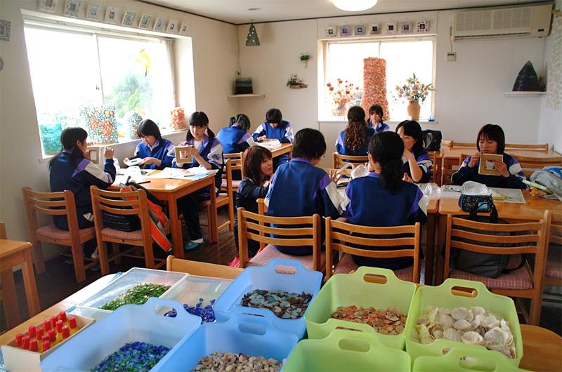 館山体験工房 シェルフォトフレームとトンボ玉作り